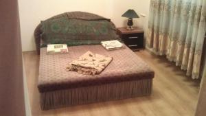 Сдам,длительно,2х комнатную квартиру в центре Севастополя,площадь Воставших!