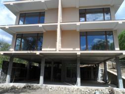 Продается 2 этажный дом 340м2 в Алупке.