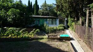 Продается часть дома в Алупке.