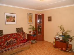 В продаже трёхкомнатная квартира на Северной стороне г. Севастополя.