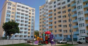 Новая трехкомнатная квартира, хорошее месторасположение, инфраструктура вся, удобный район.