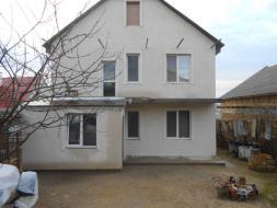 Двухэтажный дом в Ленинском районе!