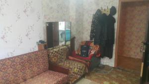 Продаю квартиру в Евпатории за 875 тысяч рублей.