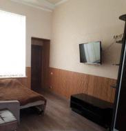 Сдаю посуточно однокомнатную квартиру 62.0 м² этаж 1/1 город Евпатория улица Гоголя. от собственника.