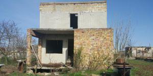 Продаю землю 4,26 соток город Евпатория Сакский район. Двухэтажный недострой.