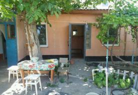 Продаю дом с участком земли 3 сотки в Евпатории ул. Огородническая.